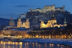 illuminated-city-salzburg-in-austria-at-christmas-night