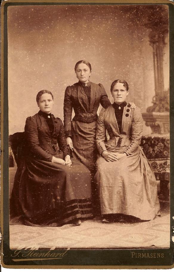 Henrietta, Margarethe + Karolina Jochum