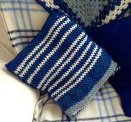 cushion-crochet-1
