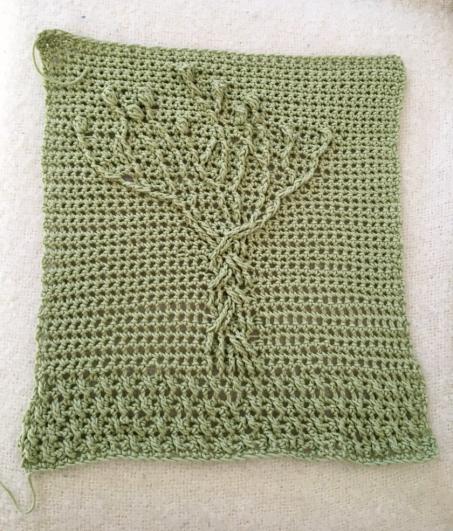 Tree crochet cushion.png